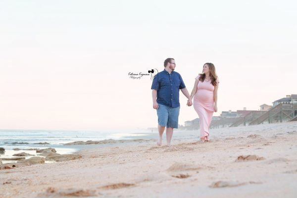 Maternity photography collection pregnancy portraits and maternity photo shoot in a beach, park or at home