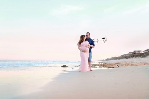 Maternity photography collection pregnancy portraits and maternity photshoot in a beach, park or at home