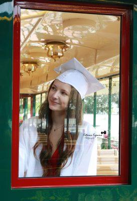 Professional senior and graduation photography sessions and graduation event photography services