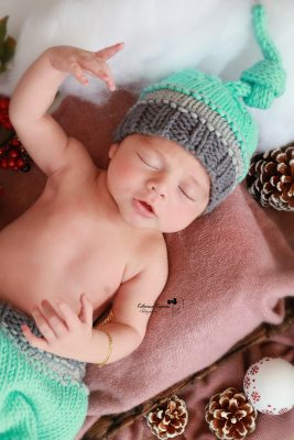 Newborn studio portraits and newborn photography sessions
