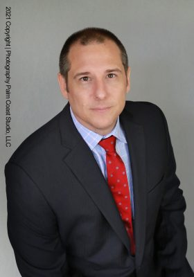 Headshots and studio portraits for realtors, lawyers and medical workers